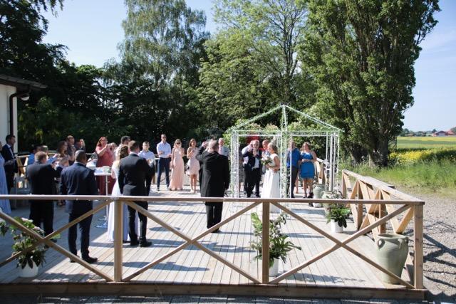 bröllop i malmö i gårdsmiljö. festlokal malmö